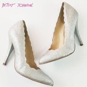 Betsey Johnson Scallop edge Glitter heels 6